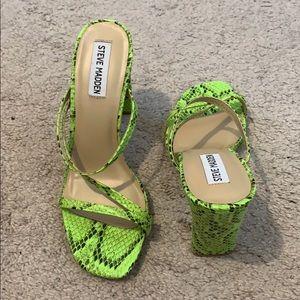 steve madden ascend green snake heels